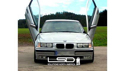 00-Up BMW M3 (E46) Coupe LSD Doors Vertical Doors - Bolt-On