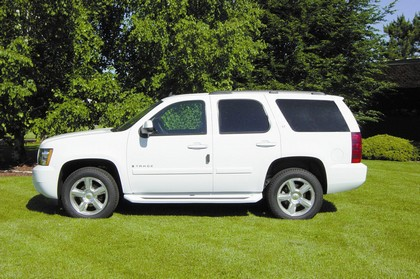 2007-2011 Chevrolet Tahoe (4-Door);;2007-2011 GMC Yukon (4-Door)  Owens GlaStep Custom Molded Fiberglass Running Boards (4-Door)