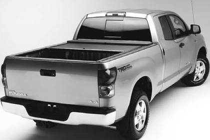 00-04 Nissan Frontier Crew Cab XSB Roll�N�Lock Retractable Tonneau Covers - Manual