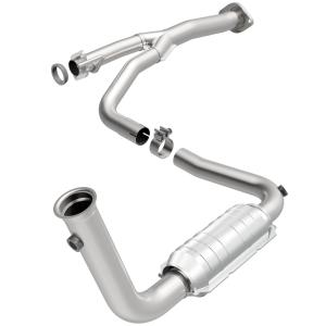 2004 Jeep Liberty 3.7L Catalytic Converter Passanger side 16211