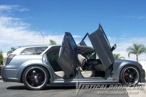 04-08 Dodge Magnum Vertical Doors Inc Lambo Doors - Direct Bolt On Kit & Dodge Magnum Vertical Doors at Andyu0027s Auto Sport